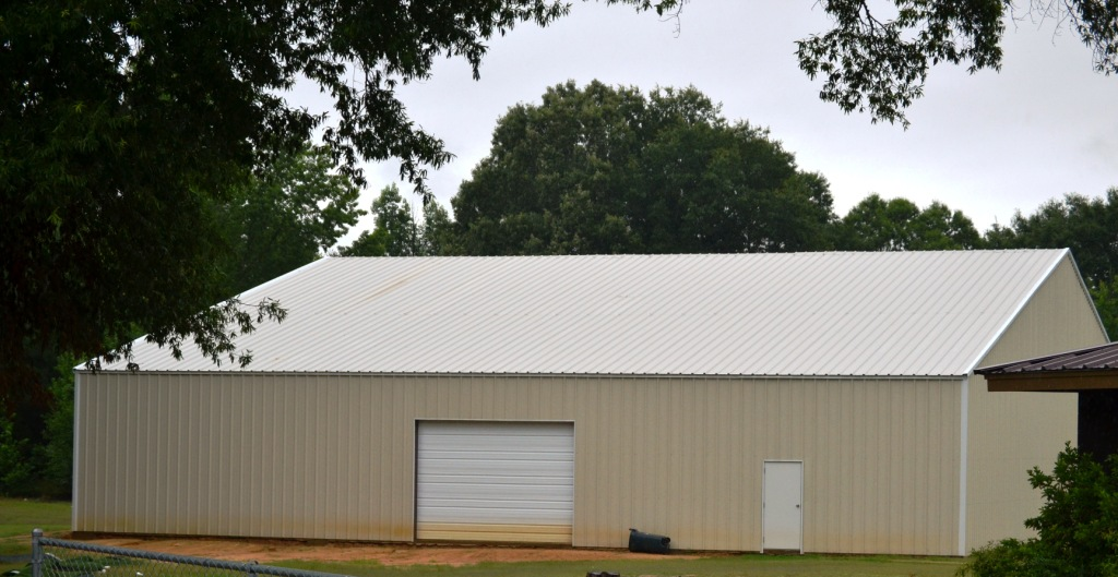 East Union's indoor facility will be used by all athletic programs as well as being utilized as a Physical Education building for daytime P.E classes. Photo by Dennis Clayton.
